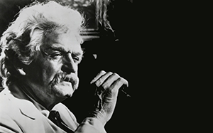 Hal Holbrook portraying Mark Twain on stage